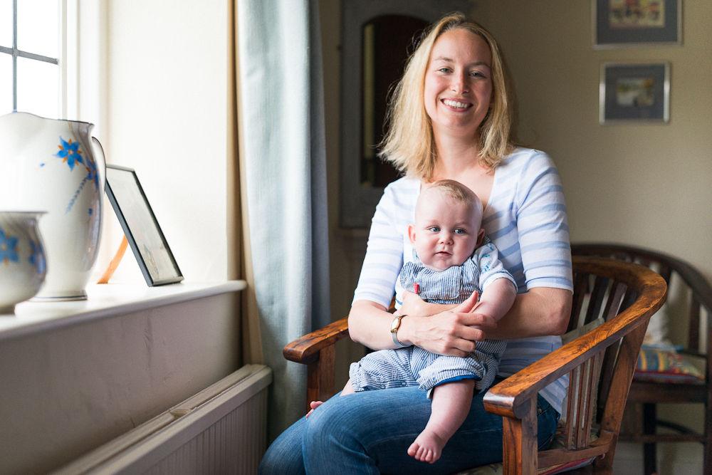 BABY AND MOTHER INDOOR PORTRAIT