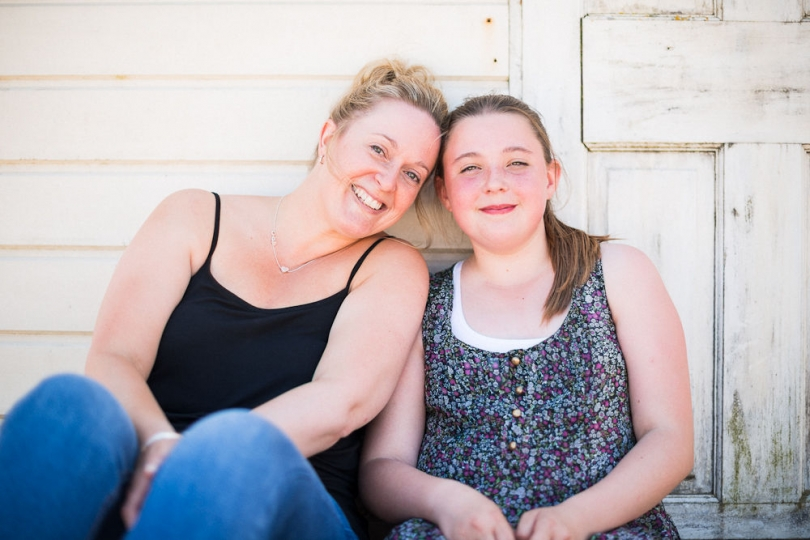 AUNT AND NIECE PHOTOGRAPH ON A BEACH HUT