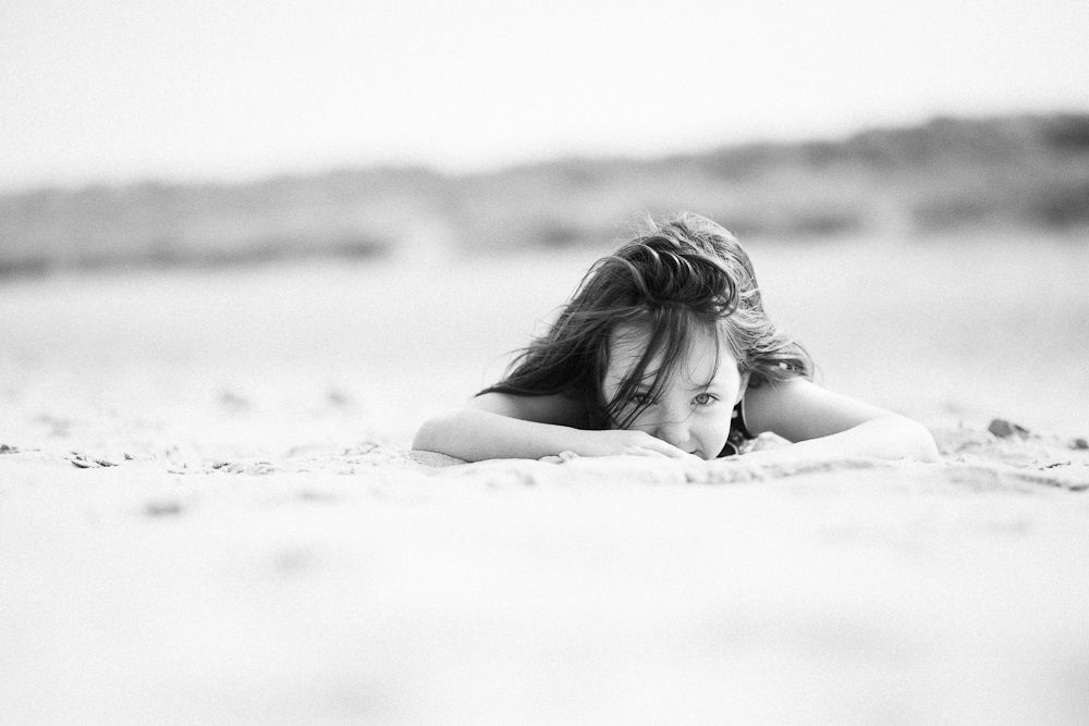 BLACK AND WHITE PORTRAIT AT THE BEACH